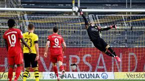 """Вратарска грешка засили """"Байерн"""" (Мюнхен) към осма поредна титла"""