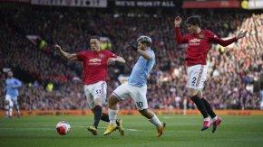 Висшата лига остава в изчаквателна позиция за подновяването на сезона