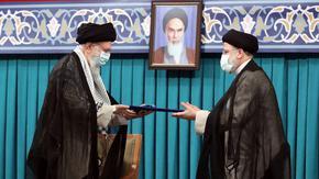"""Върховният водач на Иран утвърди """"мъдрия, неуморен и опитен"""" Раиси като президент"""