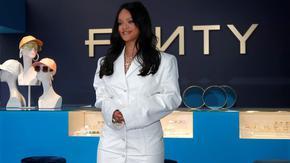 Риана официално е милиардер и най-богатата в света на музиката