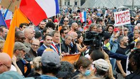 Протести във Франция заради планове за задължителна ваксинация