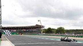 """""""Силвърстоун"""" очаква разрешение от правителството за два старта от Формула 1"""