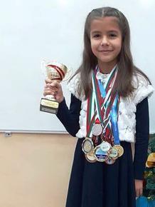 """Третокласничка от Шумен стана шампион от VI-то издание на клуб """"Математически таланти"""""""