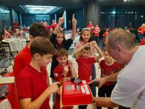 """Шумен посрещна над 130 привърженици на """"Ливърпул"""" за ежегодната среща на националния фенклуб"""