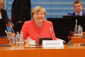 Меркел ще взима пенсия от 15 хил. евро месечно