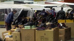 Коронавирусът в България: Най-голямото тържище в страната отново работи