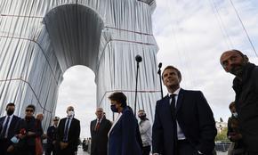 Макрон за опакованата Триумфална арка: Една сбъдната луда мечта