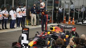 Сезонът във Формула 1 завърши с успех на Верстапен в Абу Даби