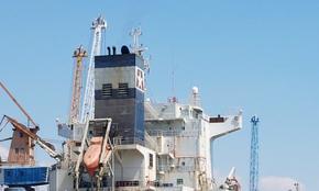 """Моряк загина на кораба """"Лудогорец"""", паднал е от 14 м височина"""