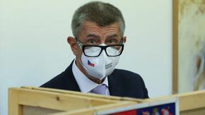 """В сянката на скандала """"Пандора"""" чехите може да изхвърлят премиера си от политиката"""