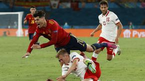 Испания се препъна в Полша, интригата в група Е се увеличи