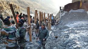 Част от хималайски ледник се срути в Индия, има загинали и над 170 в неизвестност