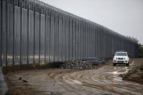 Гърция е завършила 40-километровата метална ограда по гръцко-турската граница