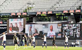 От дивана на стадиона: как датски клуб покани феновете за мач пред празни трибуни