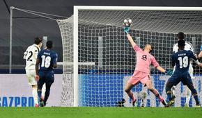 """С човек по-малко """"Порто"""" изхвърли """"Ювентус"""" от Шампионската лига"""