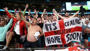 УЕФА глоби Англия заради поведението на феновете срещу Дания