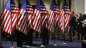 Сенатът в САЩ гласува за по-висок таван на заемите в опит да избегне дългова криза