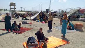 Талибаните заплашиха Запада с икономически мигранти, ако санкциите не бъдат свалени