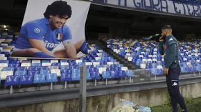 Шампионите Италия и Аржентина се насочват към мач в Неапол в чест на Марадона