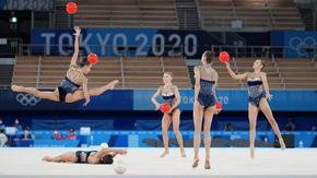 Ансамбълът по художествена гимнастика влезе във финала в Токио с най-висока оценка