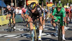 Невероятният Ван Аерт спря Кавендиш по пътя към рекорд в Тура