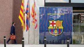 """""""Барселона"""" се разделя с треньора след позорната загуба и се насочва към Куман"""