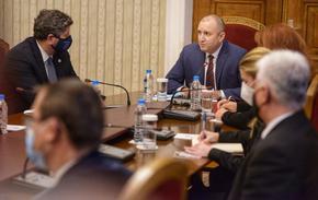 """Президентът и """"Демократична България"""" искат излъчване на живо на броенето на бюлетините"""