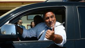 """След шеги и ласкателства кметът на Пазарджик поиска от Борисов """"малко съпортче"""" за 1.5 млн. лева"""