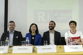 Кой ще оглави опозицията в Унгария - евродепутат от София или кмет, смятащ Орбан за отчасти прав