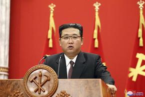 """Ким обеща """"непобедима армия"""", която да се изправи срещу САЩ"""