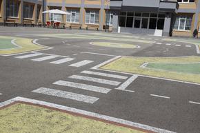 5 училища и 4 детски градини правят нови площадки за обучение по пътна безопасност