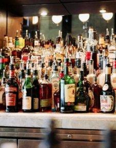 При изолацията: Рекордни продажби на алкохол в Ню Йорк