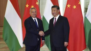 "Унгария и Китай подписаха ""класифициран"" документ за жп линията Белград-Будапеща"
