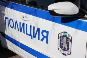 Задържаха двама шофьори и пътник в автомобил заради наркотици