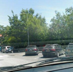 Ежедневно нагло паркиране - на вниманието на шефа на КАТ и началника на шуменската полиция