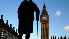 Великобритания удължи блокадата с поне 3 седмици