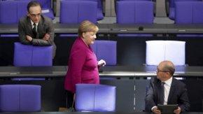 Меркел: В началото на пандемията сме, дълго ще живеем с COVID-19