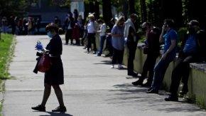 След хиляди тестове Чехия намалява изолацията и позволи пътувания в чужбина
