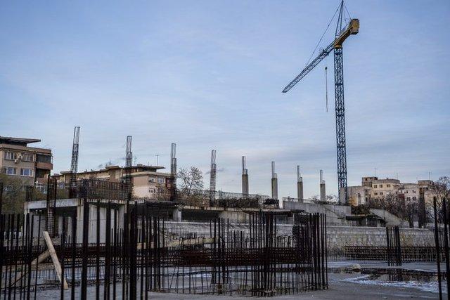 """Изграждането на стадиона на """"Ботев"""" (снимка: архив)"""