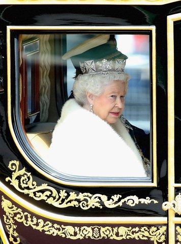 Британската кралицата празнува по два рождени дни. Единият е денят, в който е родена, а другият е официален