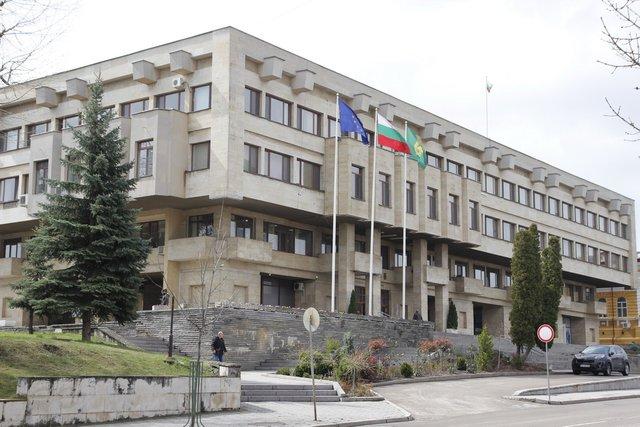 Община Шумен ще тегли 15 млн. лв. заем за улици и осветление