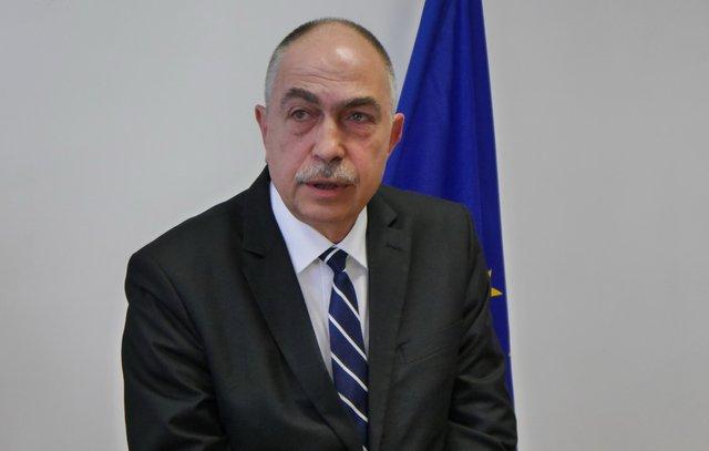 Областният управител проф. Стефан Желев