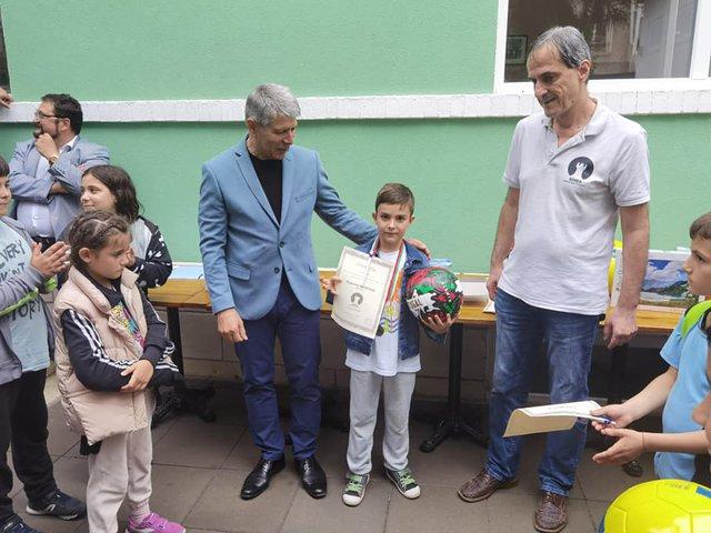 Победителят при най-малките Борислав Желязков. Снимка: фейсбук Георги Желязков.