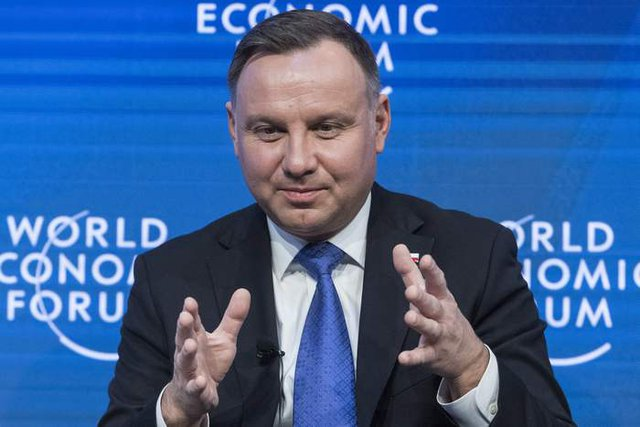 Полският президент Дуда ще се бори за нов мандат, засега води в допитванията. Затова и управляващите бързат с президентските избори. Снимка АП/БТА