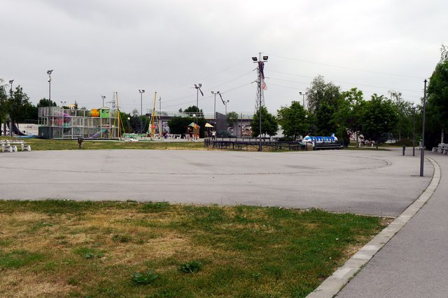 Откритата сцена ще бъде в парка през цялото лято.