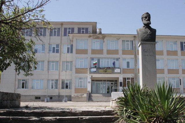 ПТМЕТТ е първата гимназия от Шуменско, която е одобрена по програмата за безплатна почивка.