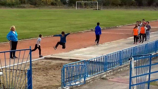 Спортистите към УСШ възобновиха тренировки