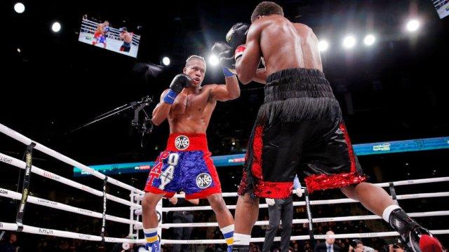 Американският професионален боксьор Патрик Дей (в ляво) четири дни беше в кома след претърпяна операция на мозъка.© Reuters