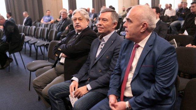"""Георги Попов (в средата) беше представен като собственик на """"Левски"""". © Анелия Николова"""