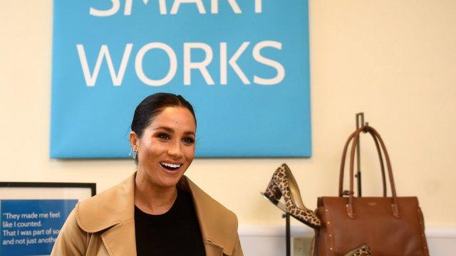 Херцогинята на Съсекс Меган на посещение в благотворителната организация Smart Works в Западен Лондон днес, 10 януари. Сн. Ройтерс